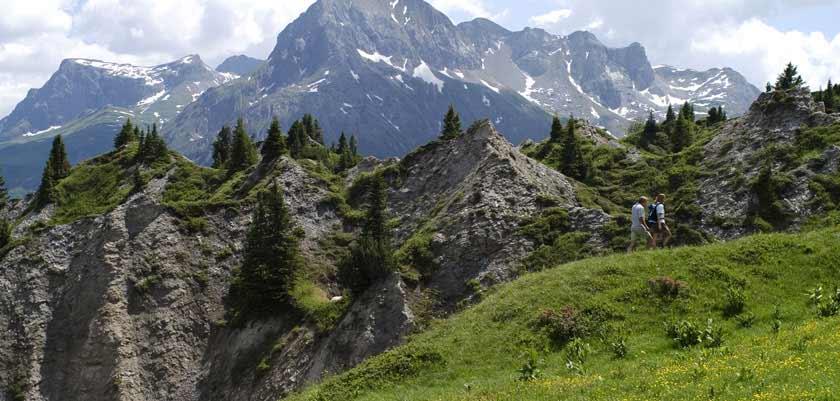 Austria_Lech-summer_Valley-mountains-view.jpg